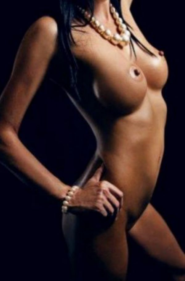 Kelly, outcall escorts from the site SexHamilton.club